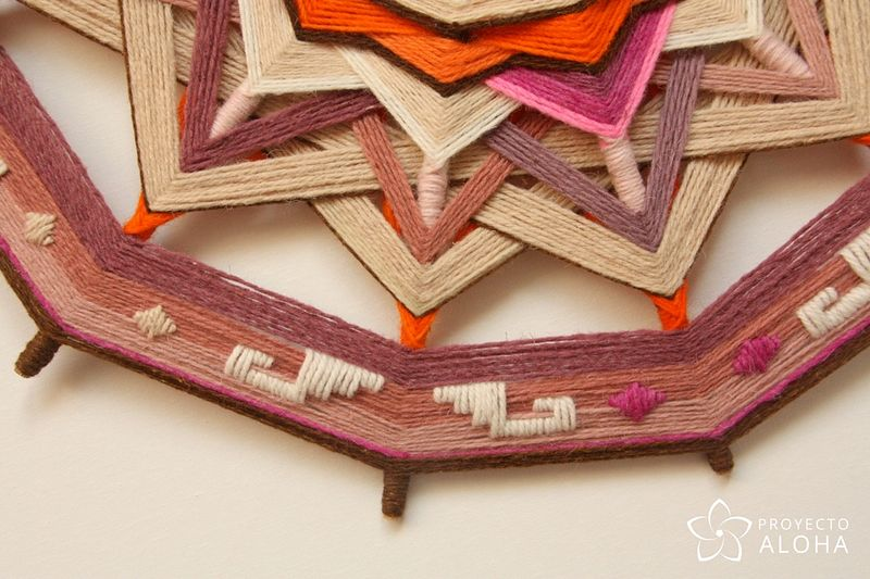 Calma Mandala de lana - Detalle Bordado