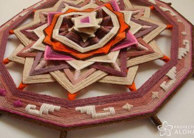 Calma Mandala de lana - Detalle relieve